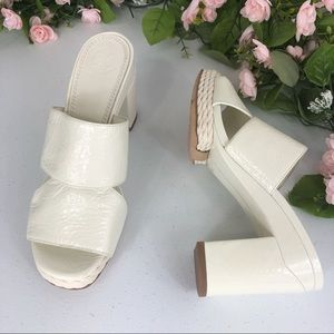Tory Burch white blocked heeled sandals size 5.5 M